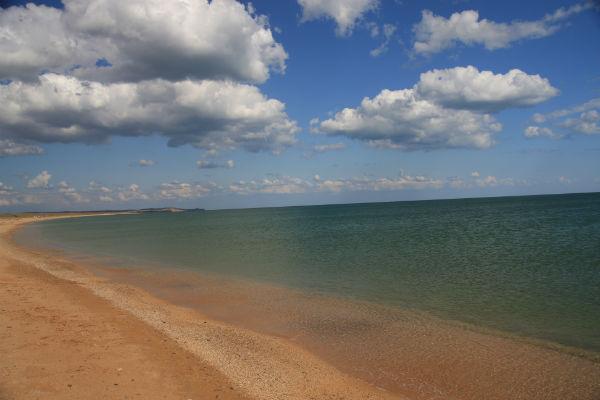 Фото мачеха с пасынком на диком пляже 22 фотография